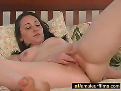 She can not stop masturbating