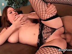 Very hot brunette MILF slut with big, round juggs gives