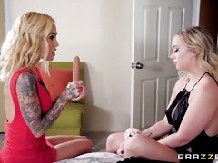 Impressive FFM action with two glamorous chicks Bailey Brooke and Sarah Jessie