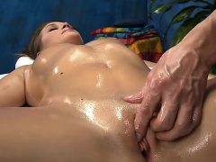 Wacko doxy takes penis from her massage therapist
