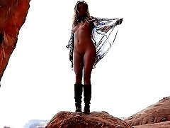 Stunning Blonde Poses Nude in the Desert