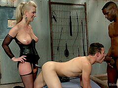 Black hunk drills bi-sexual male along side blonde mistress
