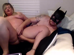 Chunky mature blonde has fun with her lover on the webcam