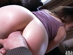 Hot booty gf takes fat cock in her anus for the first time