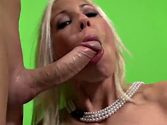 Slutty cougar excellent blowjob and swallow