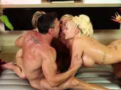Nuru masseuses sucking