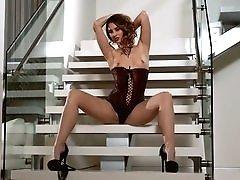 Glamorous Senses With Melissa Jean