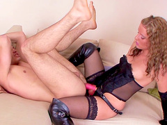 Stern Mistress Tania shows a guy who's boss during hardcore pegging