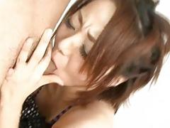 Yuu Shiraishi blows two cocks before threesome sex