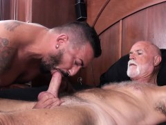 Fit big daddy bear hammering hard at sexy hairy ass hunk
