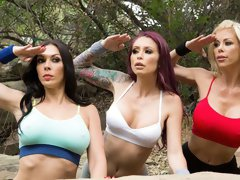 FFFM action in the bed with Alexis Fawx, Monique Alexander, and Rachel Starr