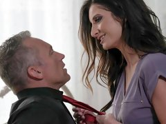 Experienced MILF Silvia Saige opens her tight pussy in the bedroom