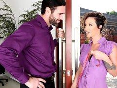 Beautiful big-bottomed coed Jada Stevens helps her boss to get some pleasure